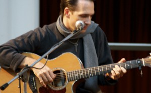 A Folk Christmas with Eugene Ruffolo.