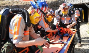 A Missouri S&T mine rescue team practicing.