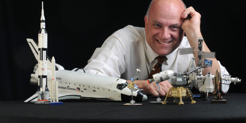 Space debris expert to present lecture in St. Louis Oct. 15