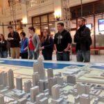Missouri S&T professor teaching architecture course in Chicago