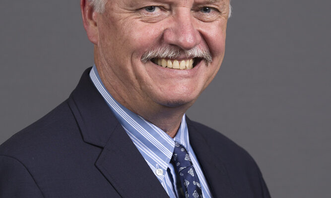 Richard Brow named interim vice provost and dean for College of Engineering and Computing