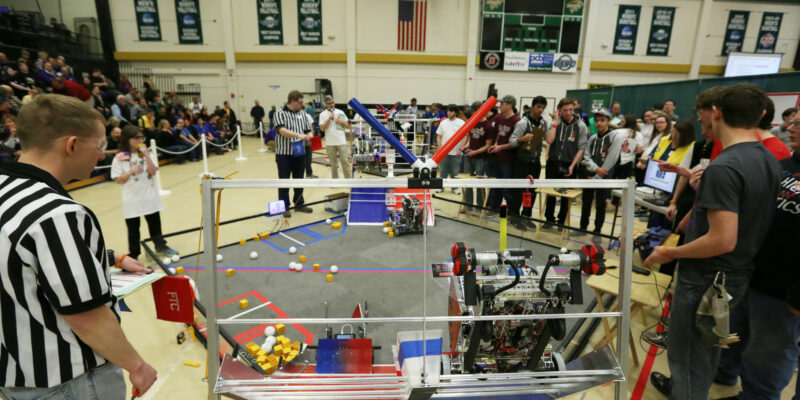 Volunteers needed for robotics competitions at Missouri S&T