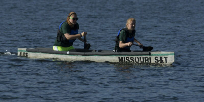 Missouri S&T students build competition-ready canoe out of concrete