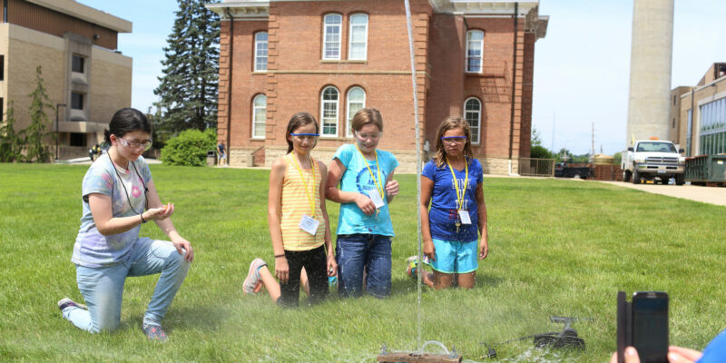 Register a student for engineering camps this summer