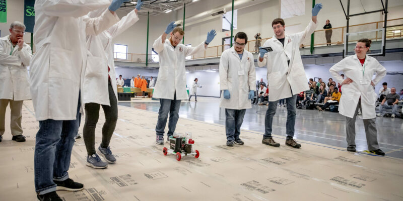 S&T's Chem-E-Car earns high finish, qualifies for nationals