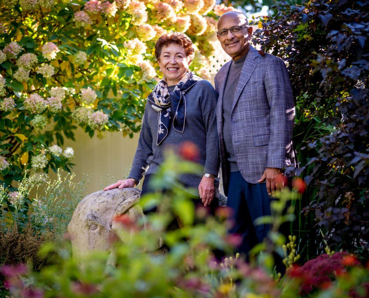 photo of Linda and Bipin Doshi