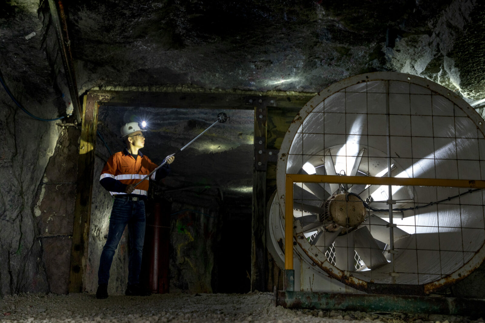 Photo of Dr. Guang Xu in S&T's experimental mine