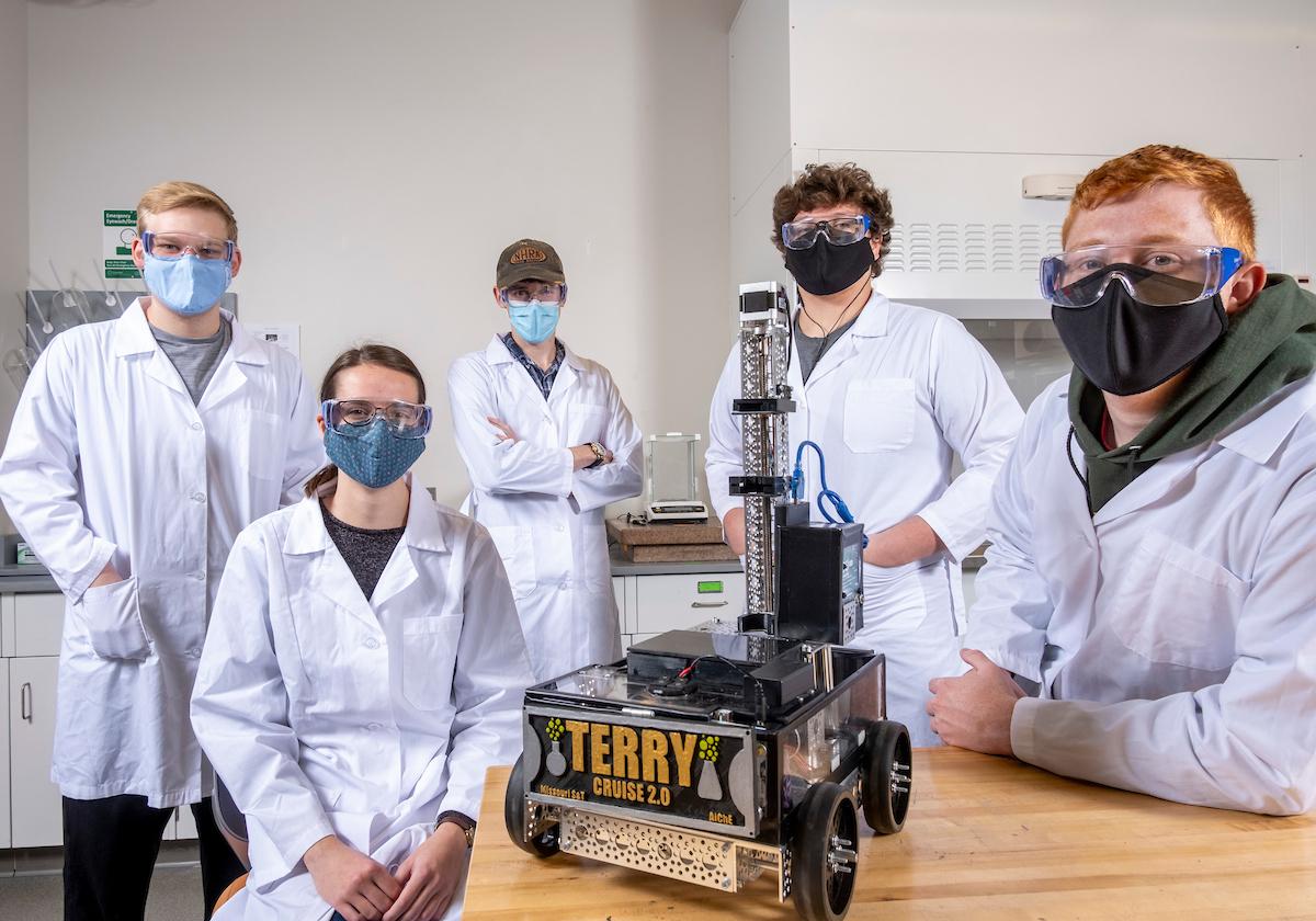 Photo of Chem-E Car team