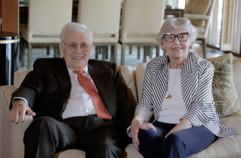 Fred S. and June Kummer at their home in October 2020. Photo by Terry Barner/Missouri S&T