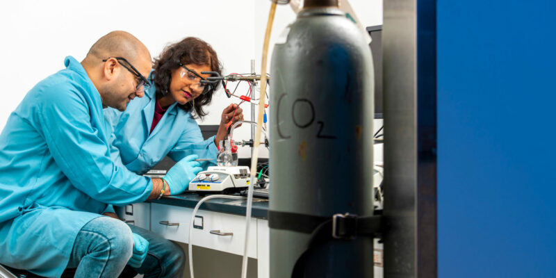 S&T chemist works to recycle fossil fuel emissions
