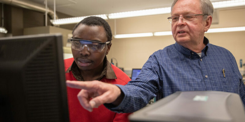 S&T chemist earns patent for flexible electronics work