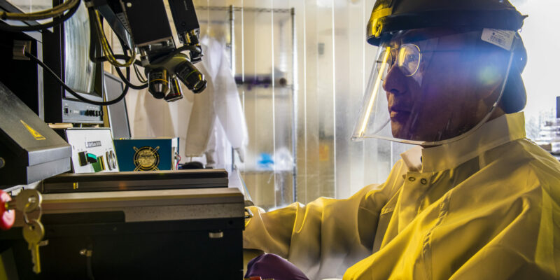 Missouri S&T researchers patent implants made with bioactive glasses and metals