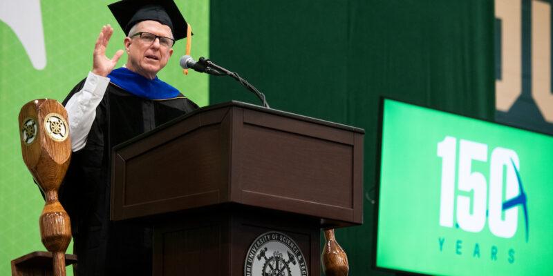 Missouri S&T commencement speaker celebrates the beginning of post-college life
