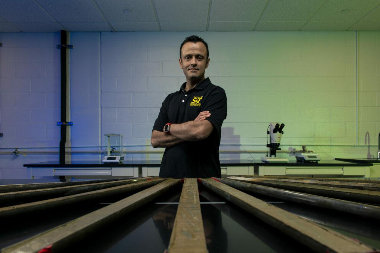 photo of Dr. Jonathan Obrist-Farner in lab